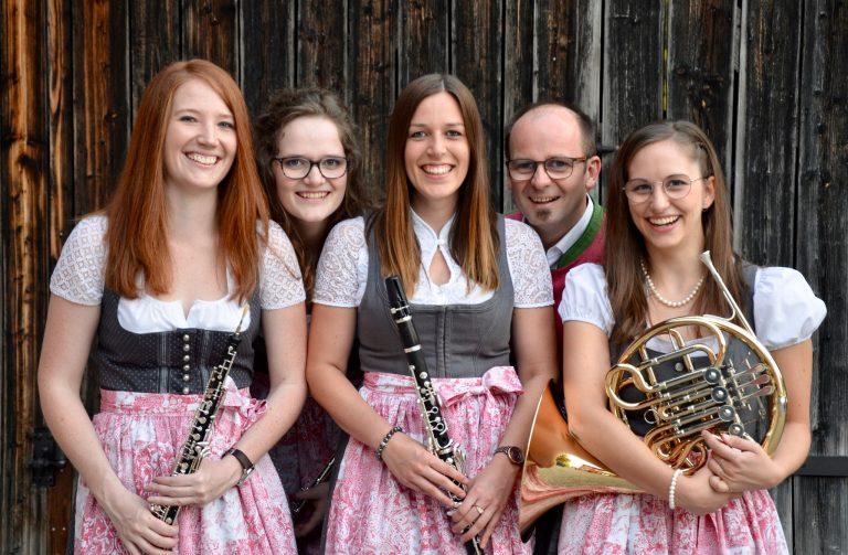 """Ensemble """"Hoiz mit Horn"""""""